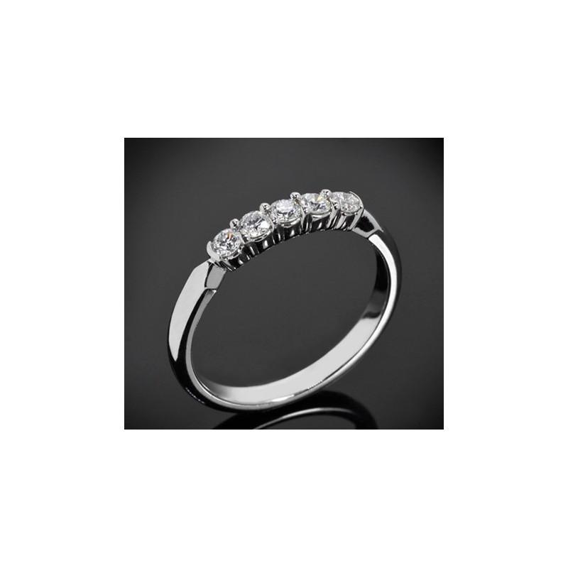 """Диамантена брачна халка от колекцията """"Звездно небе"""", изработена от 14к злато, с широчина 2,4 мм и 5 диаманта с общо тегло 0,25"""