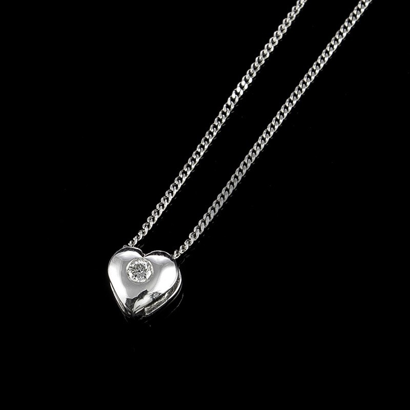 "Necklace ""Love"", 18K gold, central diamond with a weight of 0.02ct."