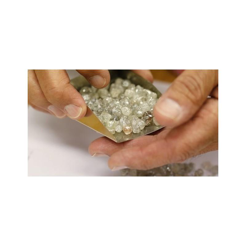 Оценка на необработен диамант