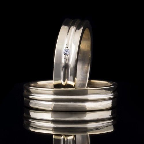 Комплект брачни халки с диаманти модел R106
