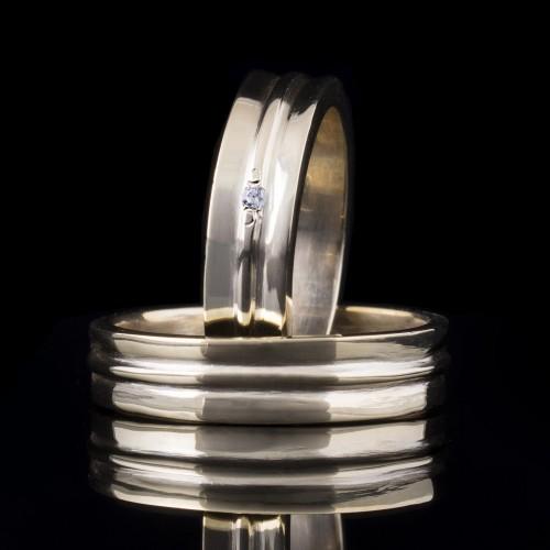 Set of wedding rings with diamonds model R106