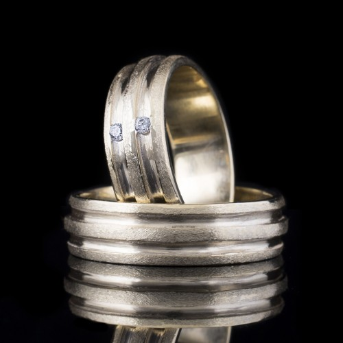 Комплект брачни халки с диаманти модел R109