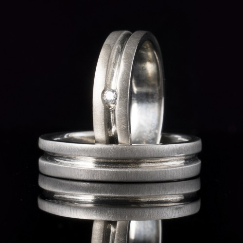 Set of wedding rings with diamonds model R113