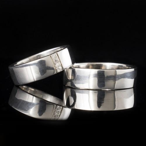 Комплект брачни халки с диаманти модел R114