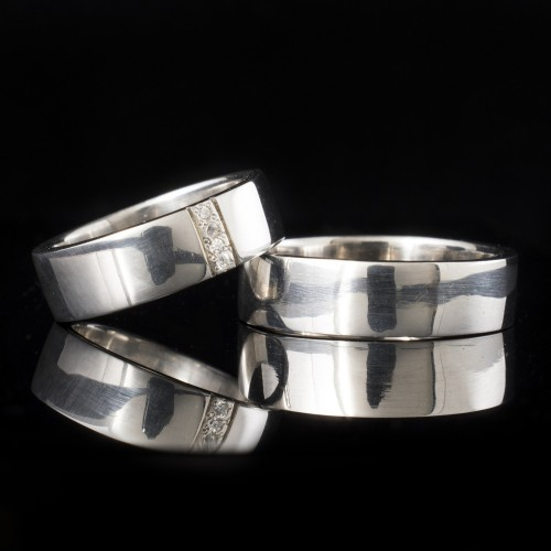 Set of wedding rings with diamonds model R114