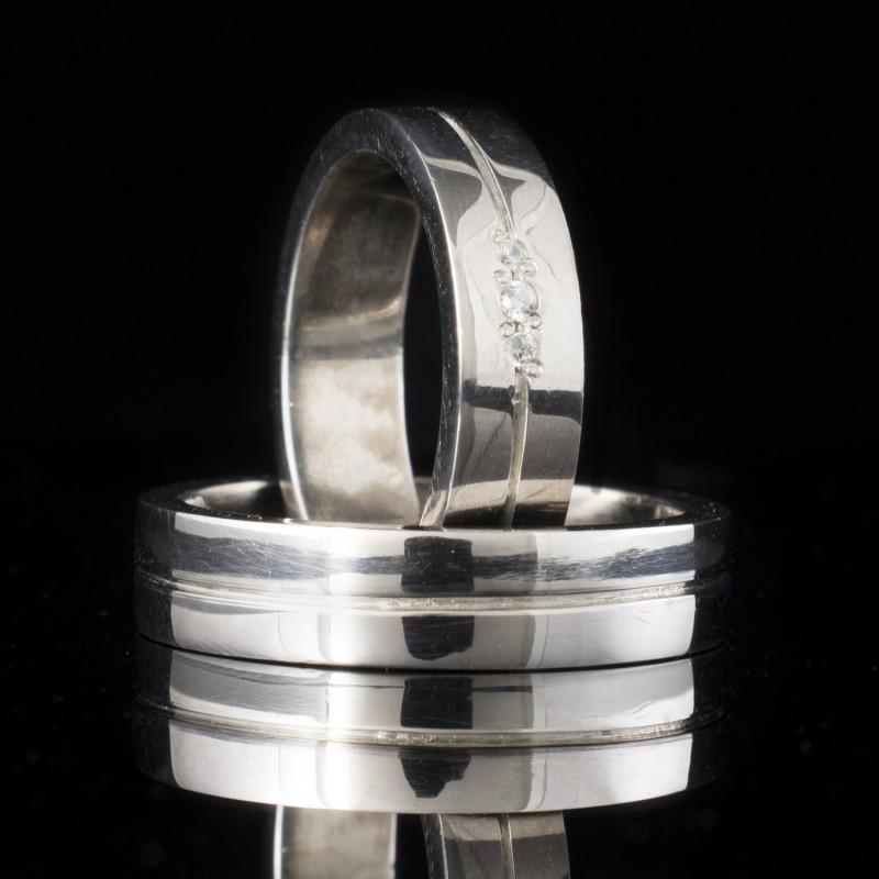Комплект брачни халки с диаманти модел R115