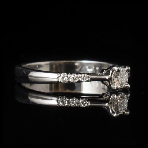 Годежен пръстен 14К злато, 7 диаманта с общо тегло 0.18ct.