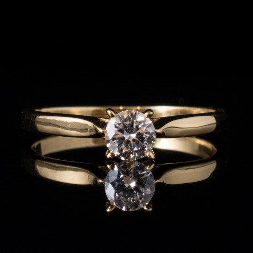 Годежен пръстен 18К злато, 1 диамант с общо тегло 0.25ct.