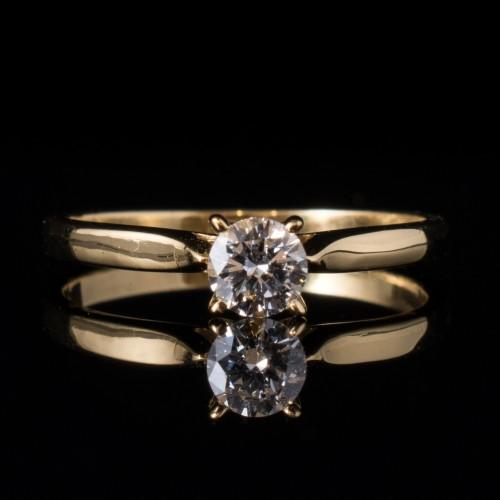 Пръстен 18К жълто злато и диамант с тегло 0.25 ct.