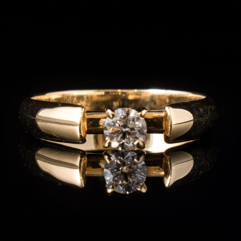 Годежен пръстен 18К злато, 1 диамант с тегло 0.23ct.