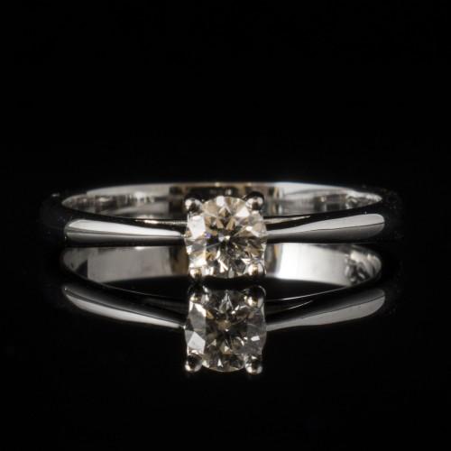 Пръстен 18К злато, 1 диамант с тегло 0.23ct