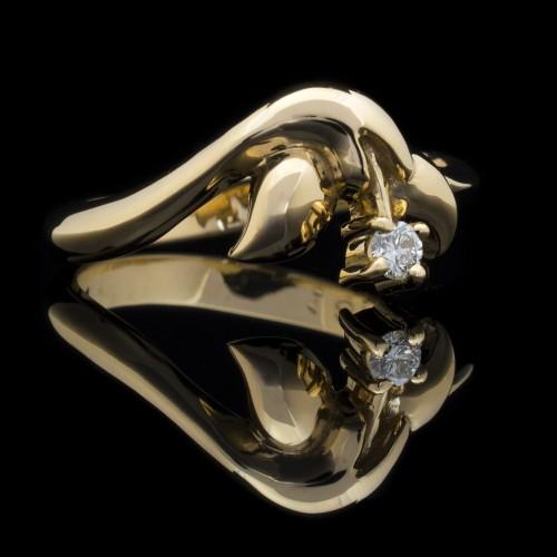 Пръстен 18К злато, 1 диамант с тегло 0.07ct.