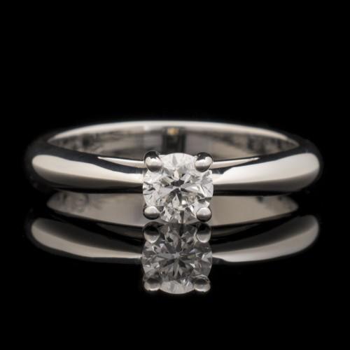 Годежен пръстен 18К злато, 1 диамант с тегло 0.38ct.
