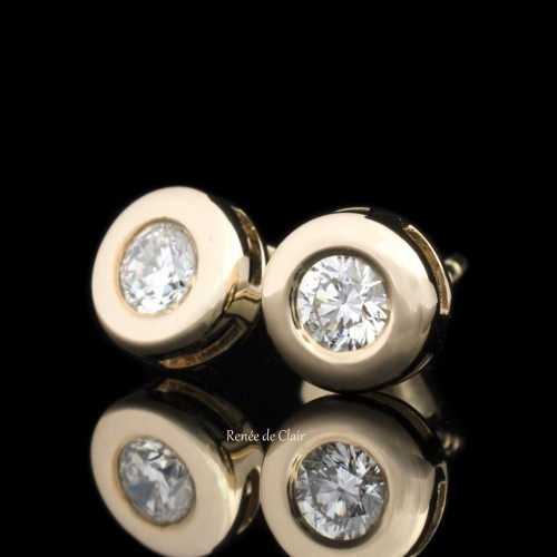 Earrings from 14K yellow gold, 2 diamonds with a weight of 0.34ct.