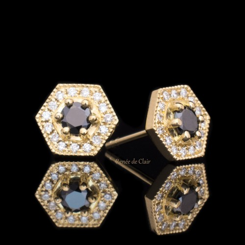 Earrings 18K white gold 32 diamonds with a weight of 0.36ct.
