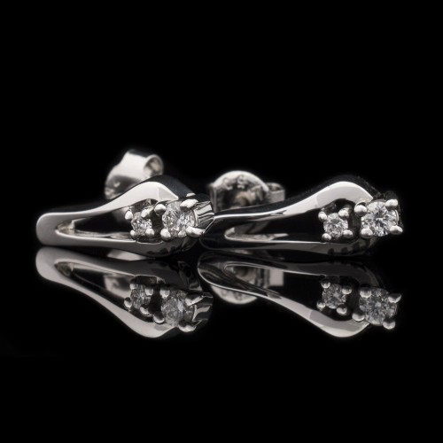 Earrings 18K white gold, 4 diamonds with a weight of 0.16ct.