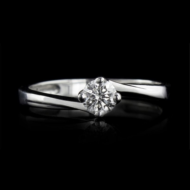 Engagement ring of 18K gold, 1 diamond with a total weight of 0.23ct.