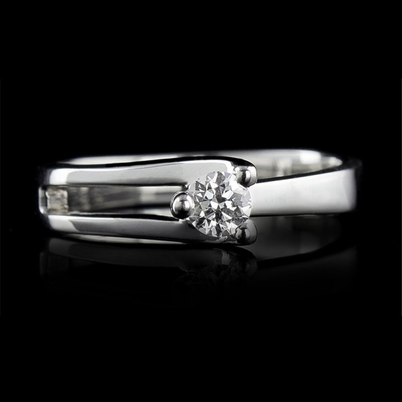 Годежен пръстен 18К злато, 1 диамант с общо тегло 0.178ct.