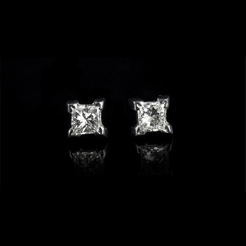 "Earrings ""Integrity"", 18K white gold, 2 diamonds with a weight of 0.269ct."