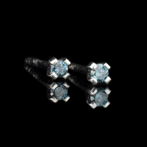 Earrings 14K white gold, 2 blue diamonds with a weight of 0.08ct.