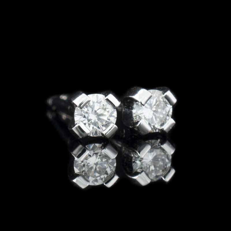 Earrings, 14K white gold, 2 diamonds with a weight of 0.12ct