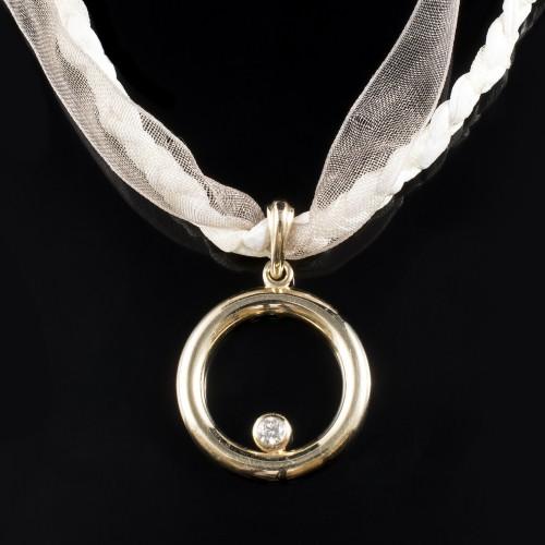 Колие, 14K злато, 1 диамант с тегло 0,20 ct.