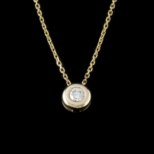 Necklace, 14ct gold, central diamond with a weight of 0.18ct.