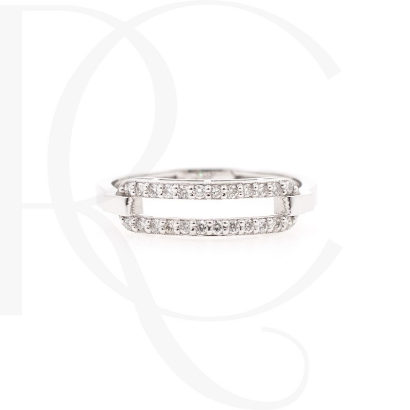 Ring of 14K gold and 24 diamonds with a weight of 0.13ct.