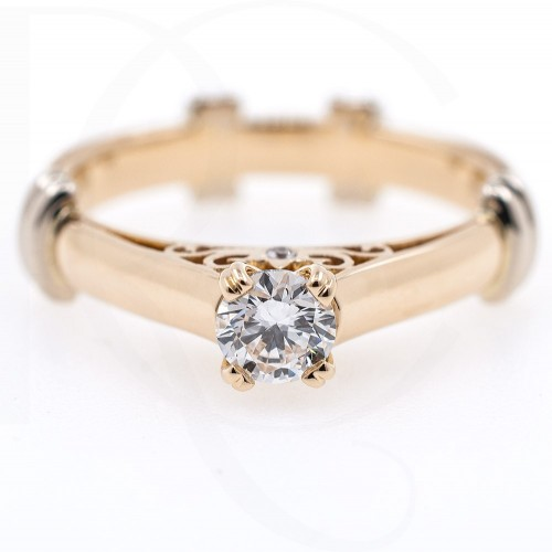 Ring of 18K gold with diamond 0.30ct