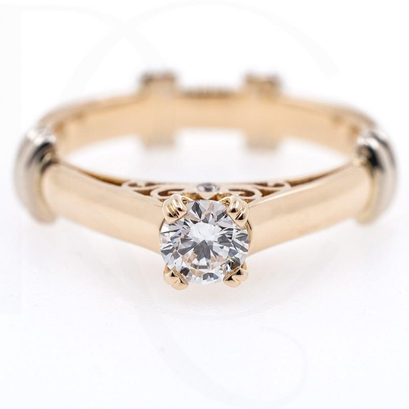 Годежен пръстен 18К злато с централен диамант 0.30ct