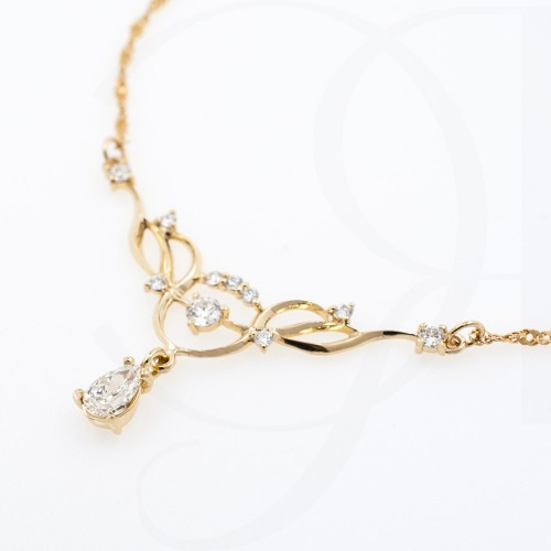Necklace 14K gold, handmade, 11 diamonds with a total weight of 0.49ct.
