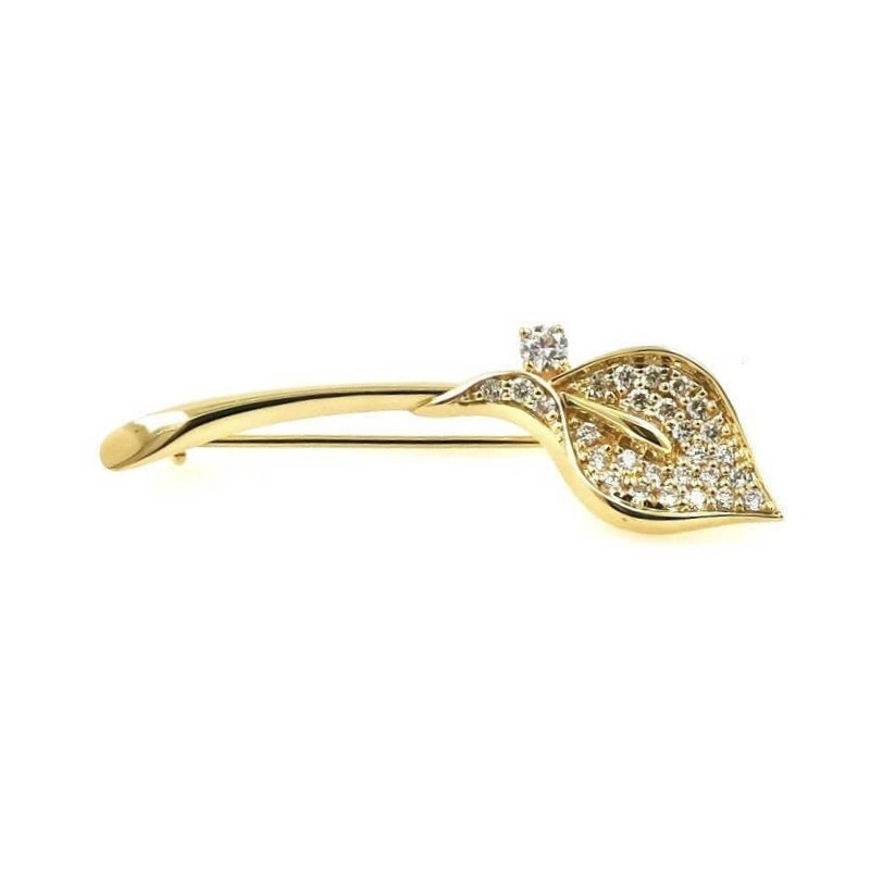 Golden brooch with 28 diamonds 0.46 ct