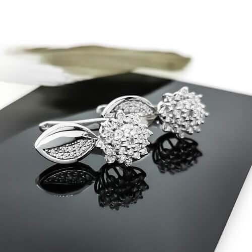 Обеци, 14K бяло злато и 74 диаманта с тегло 0,94ct