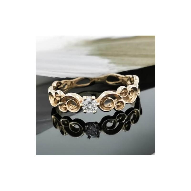 Годежен пръстен 14К злато, 1 диамант с тегло 0.10ct.