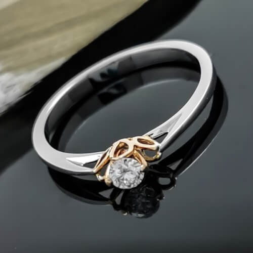 Engagement ring 14К white gold with a diamond 0,10ct