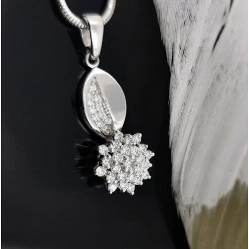 Necklace 14K gold and 37 diamonds with a total weight of 0.47ct.