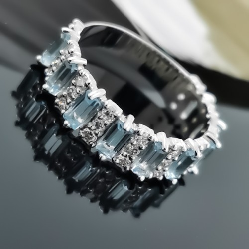 Ring 14K White Gold, Diamonds 0.45ct & Topazes
