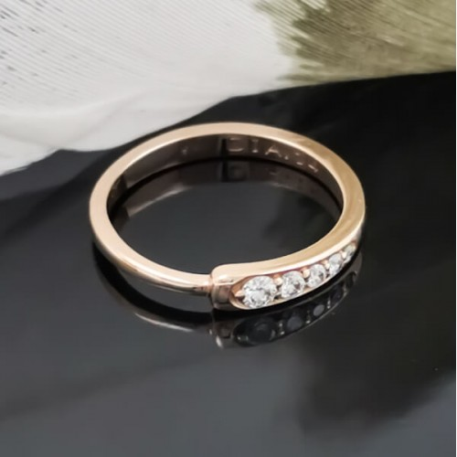 Engagement Ring 14K Gold, 5 diamonds 0.14ct