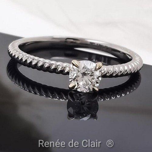 Engagement Ring 14K White Gold with a diamond 0,32ct
