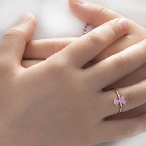CLASSIC FEMALE RING IN YELLOW GOLD WITH PINK ENAMEL